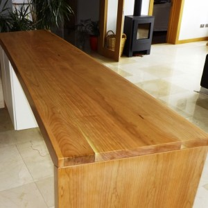 Curved Breakfast Bar Shane Tubrid Furniture Amp Wood Turning